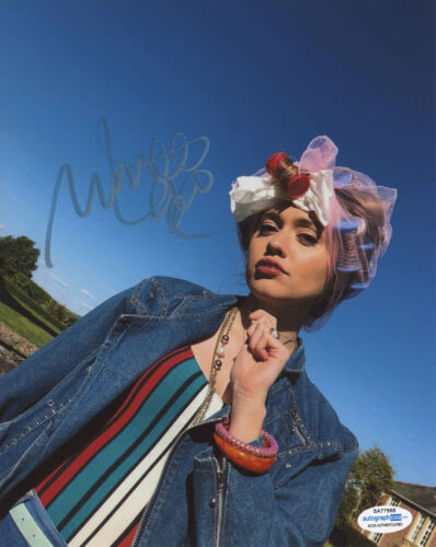 Aimee Lou Wood Signed Autographed Netflix Sex Education 8x10 Photo ACOA Gibbs C