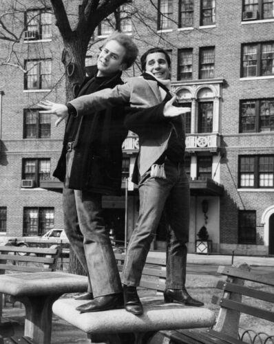 Simon & Garfunkel -  MUSIC PHOTO #11
