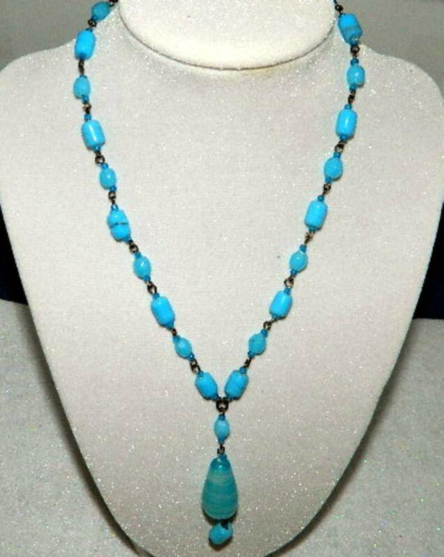 075#C-- Necklace Blue Glass Beads Vintage