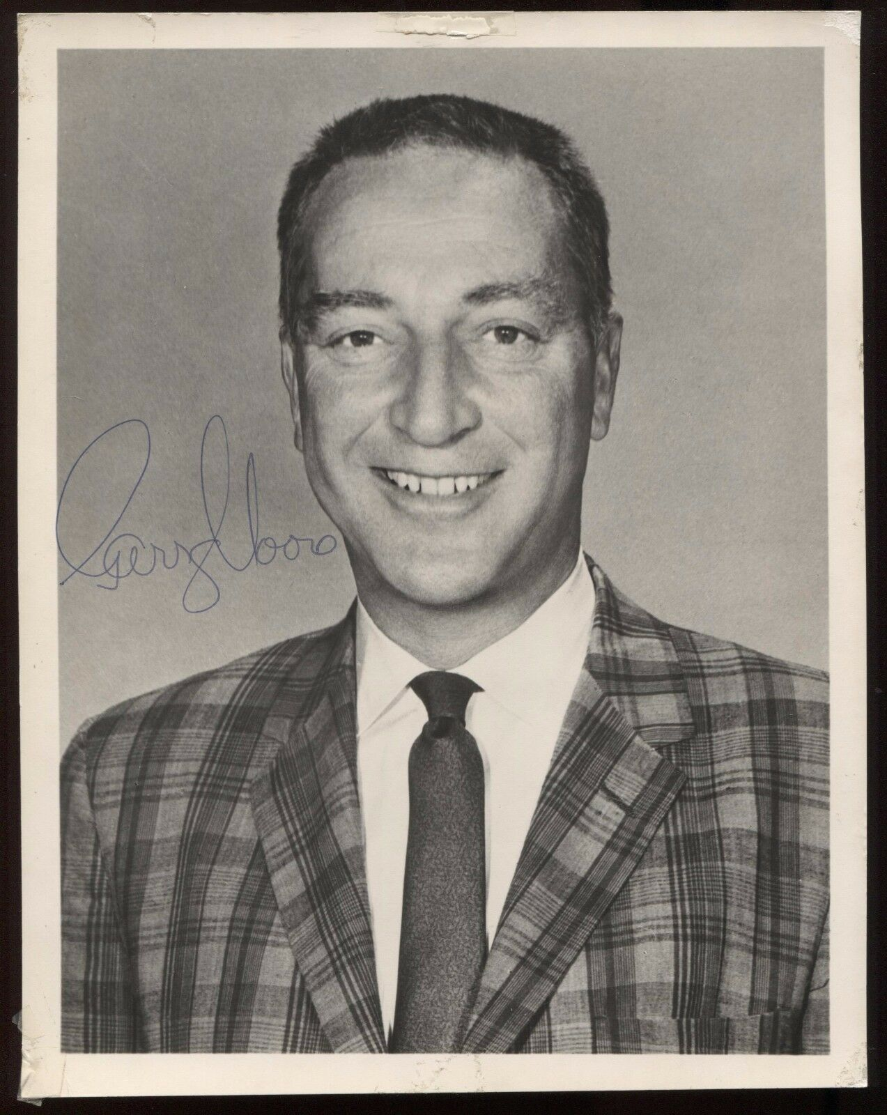 Garry moore vintage signed 7x9 inch photo autographed early career from 1960's