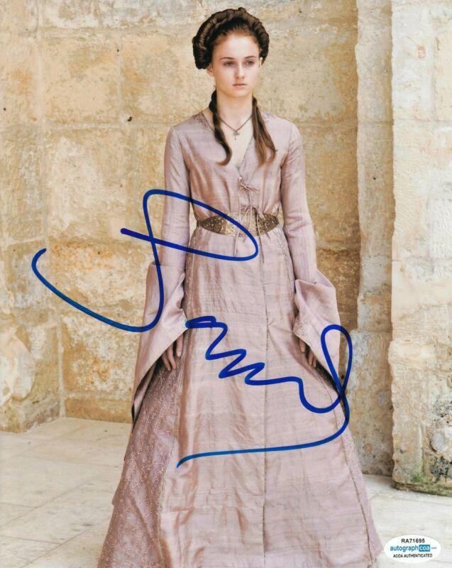 SOPHIE TURNER signed (GAME OF THRONES) GOT 8X10 photo *Sansa Stark* ACOA #1