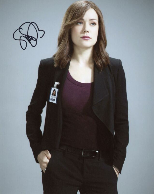 "Megan Boone ""The Blacklist"" AUTOGRAPH Signed 8x10 Photo E ACOA"