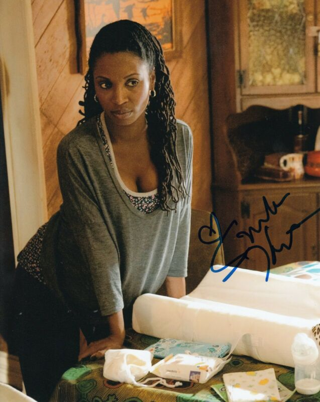 SHANOLA HAMPTON signed (SHAMELESS) TV Show 8X10 photo *VERONICA* W/COA #SH2