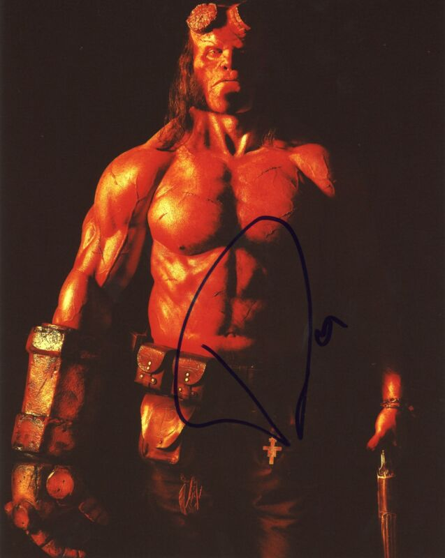 "David Harbour ""Hellboy"" AUTOGRAPH Signed 8x10 Photo ACOA"