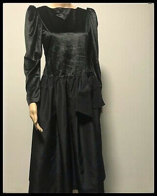 80s Dresses | Casual to Party Dresses Stunning Black Vintage 80's Dress with Classic Velour and Polyester $37.88 AT vintagedancer.com