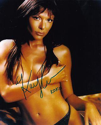 Kari Wuhrer Autographed 8x10 Photo (3)