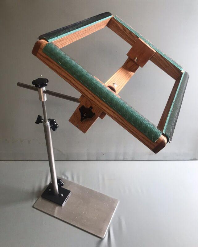 Horizontal Adjustable Rug hooking floor stand