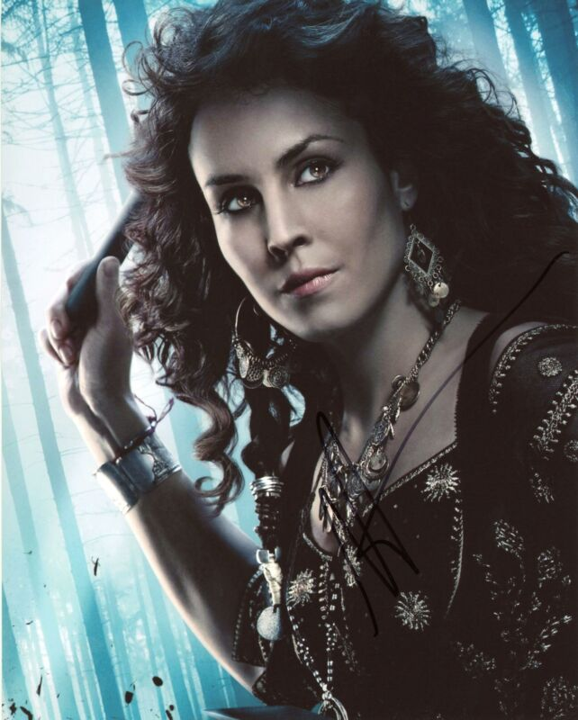 "Noomi Rapace ""Sherlock Holmes: A Game of Shadows"" AUTOGRAPH Signed 8x10 Photo B"