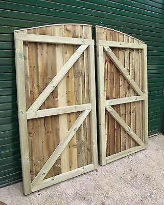 Convex Closeboard Garden/Driveway Gates (Curved top) Bespoke size-up to 6ft wide