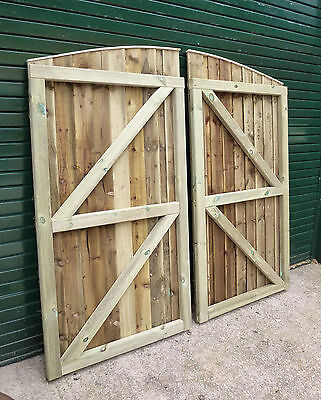 Convex Barrel Board Garden/Driveway Gates Made to YOUR custom size Max. 6ft wide