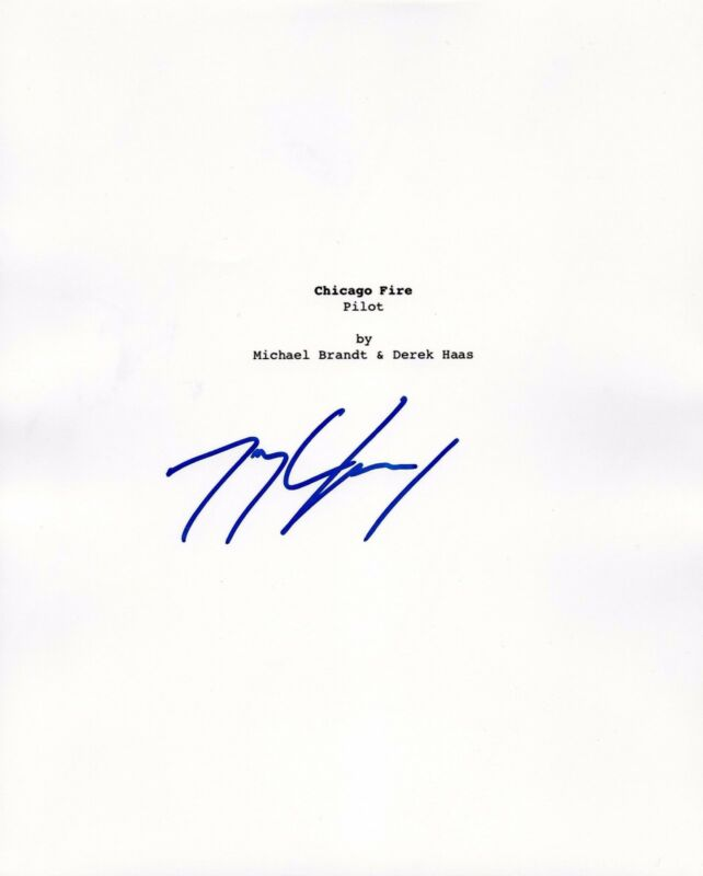 ACTOR TAYLOR KINNEY SIGNED 'CHICAGO FIRE' SCRIPT COVER 8X10 PHOTO W/COA
