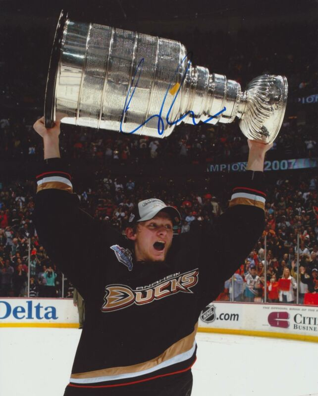 COREY PERRY SIGNED ANAHEIM DUCKS 8X10 PHOTO