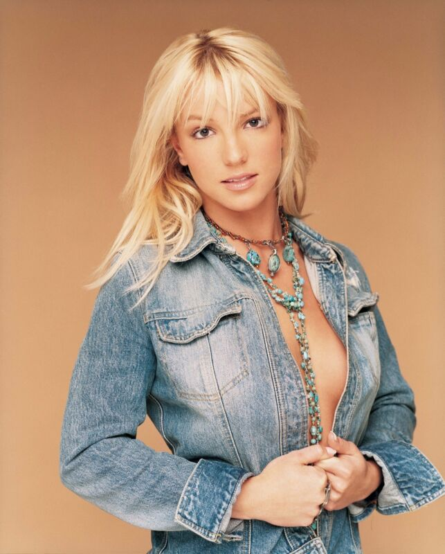 Britney Spears Unsigned 8x10 Photo (133)