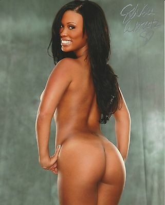Leola Bell Signed 8x10 Photo Autographed  COA  Aworld    Playmate Feb 2012