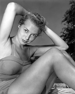 Janet Leigh Unsigned 8x10 Photo (2)