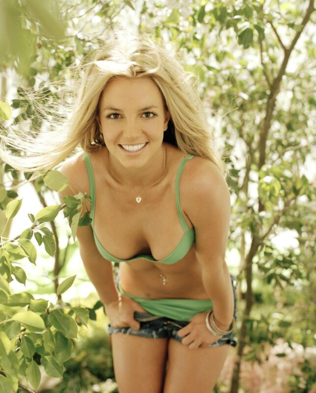 Britney Spears Unsigned 8x10 Photo (49)