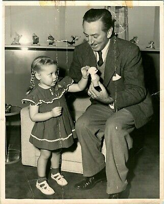 VINTAGE 8 x 10 PHOTO of WALT DISNEY  HOLDING A PIG FIGURINE  YOUNG GIRL  RARE!!!
