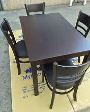 Brand NEW In BOX SOLID 5 PC DINING SET Chipping Norton Liverpool Area Preview