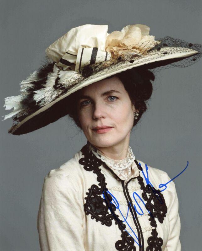 "Elizabeth McGovern ""Downton Abbey"" AUTOGRAPH Signed 'Cora' 8x10 Photo C ACOA"