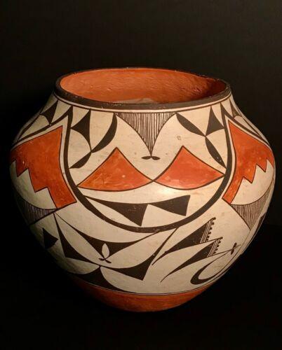 ACOMA POLYCHROME POTTERY JAR, BEAUTIFUL POLYCHROME DESIGNS, NICE FORM, C1940