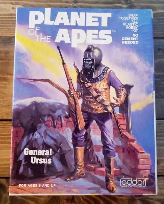 """1973 """"PLANET OF THE APES"""" Original ADDAR """"GEN. URSUS"""" MODEL KIT Complete In BOX"""