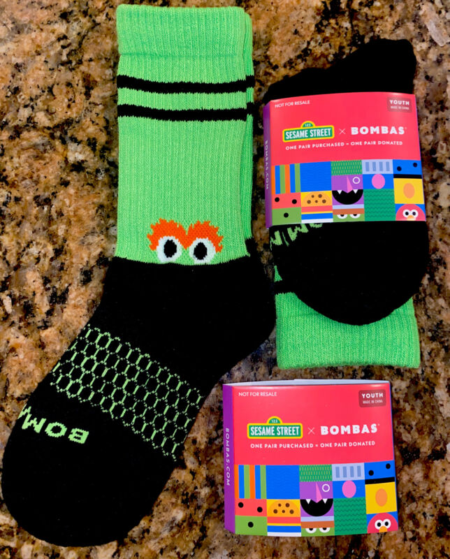 Lot Of 2 BOMBAS Sesame Street 50 Years Oscar the Grouch Socks Pairs ( Youth)