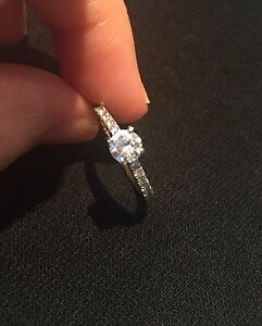 18K WHITE GOLD ENGAGEMENT RING -- Best Price--  Cambridge Kitchener Area image 7