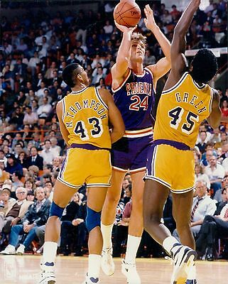 Tom Chambers Phoenix Suns Licensed Unsigned Glossy 8x10 Phot
