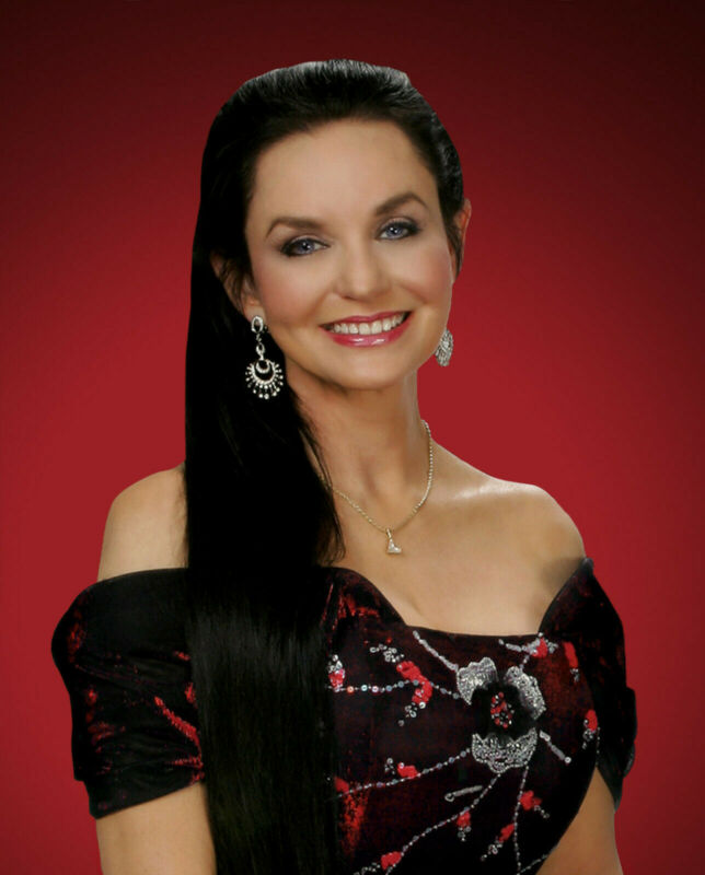 CRYSTAL GAYLE 8X10 GLOSSY PHOTO PICTURE