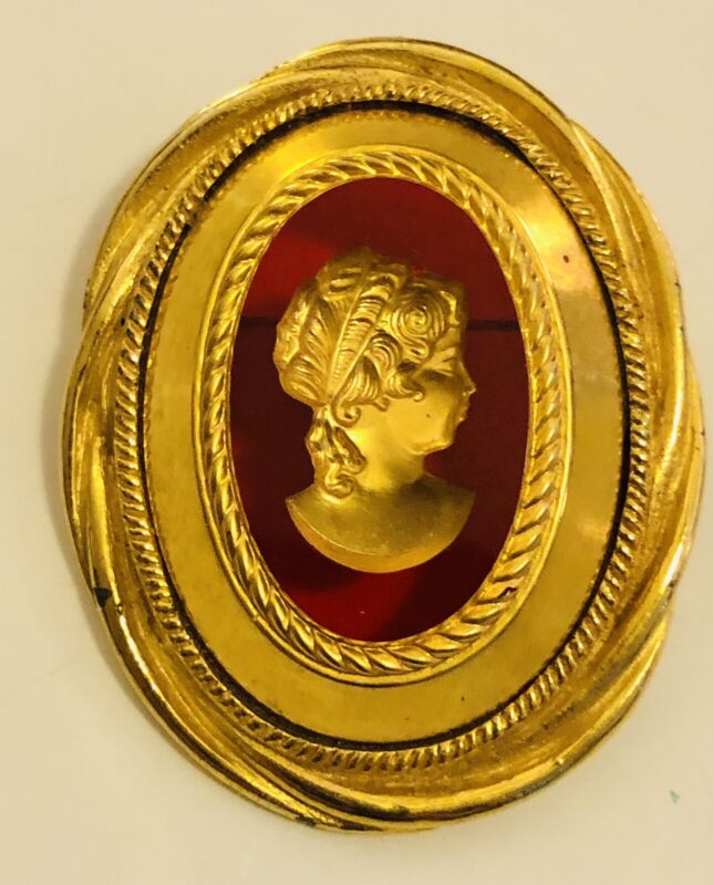 Stunning Vintage Gold Tone  Intaglio Transparent Ruby Glass Cameo Pin Brooch