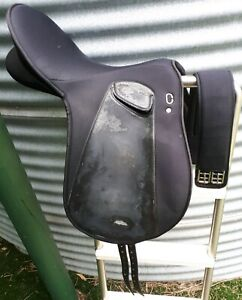 """Wintec Sprint Synthetic 16"""" Saddle with girth. Worn and marked in leg"""