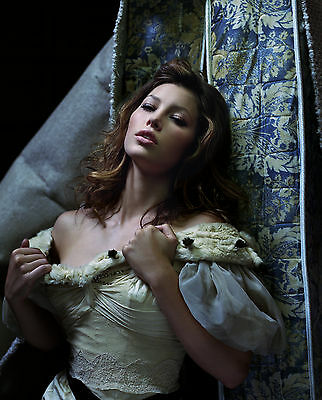 Jessica Biel Unsigned 8X10 Photo  49