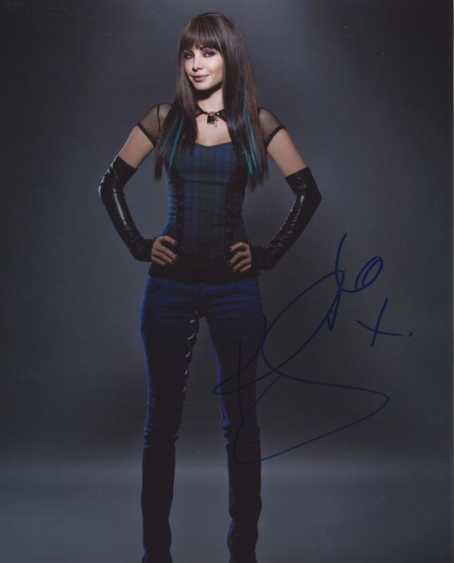 KSENIA SOLO SIGNED LOST GIRL 8X10 PHOTO 2