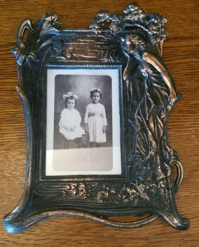 ART DECO/NOUVEAU SOLID CAST IRON & BRONZE Woman w/ Lilies Picture Frame Timeless