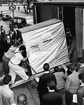 WORKERS LOAD A 5MB IBM HARD DRIVE FOR DELIVERY IN 1956 - 8X10 PHOTO (AA-472)