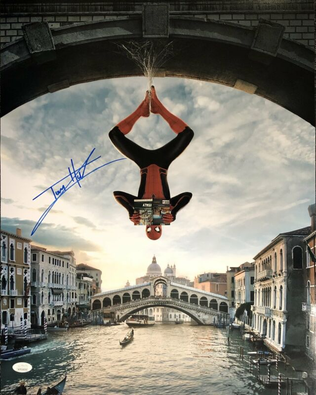 Tom Holland Autograph 16x20 Photo Spider-Man Signed JSA Witness COA 3