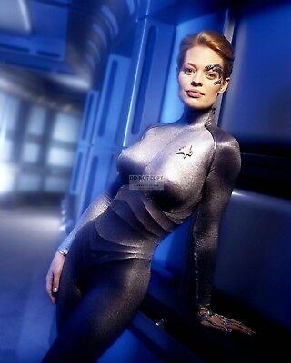 Jeri Ryan In  Star Trek  Voyager  Seven Of Nine   8X10 Publicity Photo  Ab 559
