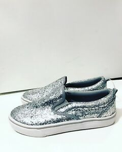 NEW Women's Size 7 Silver Glitter Shoes
