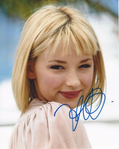 ACTRESS HALEY BENNETT SIGNED THE GIRL ON THE TRAIN 8X10 PHOTO W/COA EQUALIZER