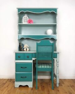Coordinating Desk, Hutch and Cushioned Chair