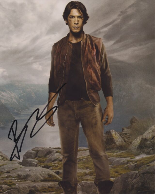 BOB MORLEY SIGNED THE 100 8X10 PHOTO