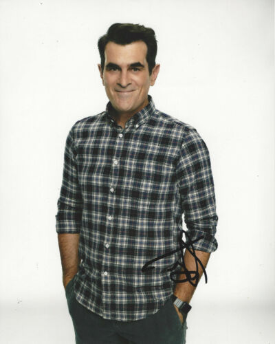 TY BURRELL SIGNED AUTHENTIC 'MODERN FAMILY' PHIL 8X10 PHOTO 1 w/COA ACTOR PROOF