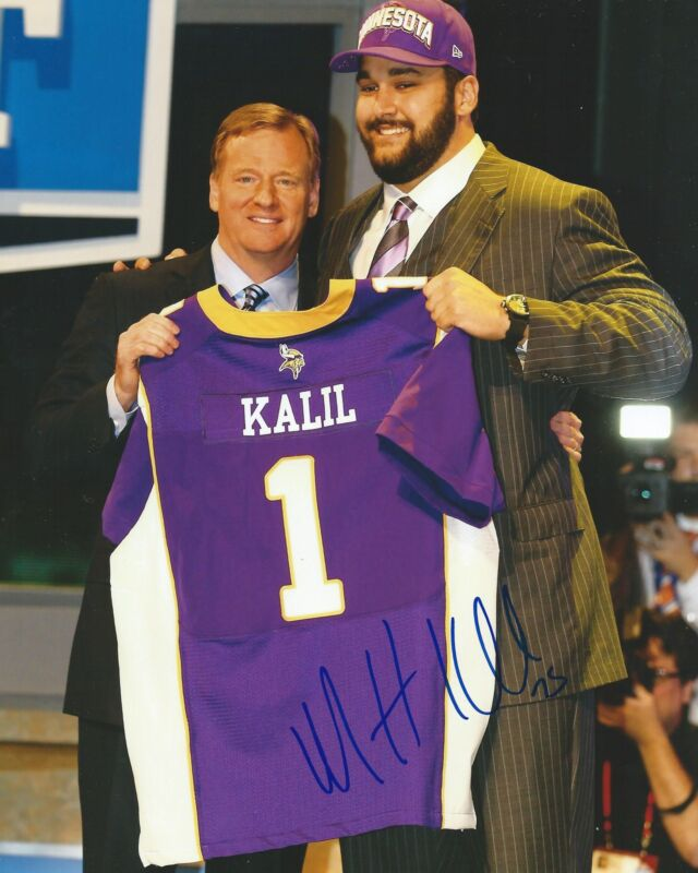 **GFA Minnesota Vikings *MATT KALIL* Signed 8x10 Photo M1 COA**