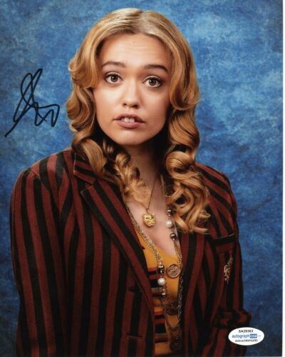 Aimee Lou Wood Sex Education Autographed Signed 8x10 Photo ACOA #5