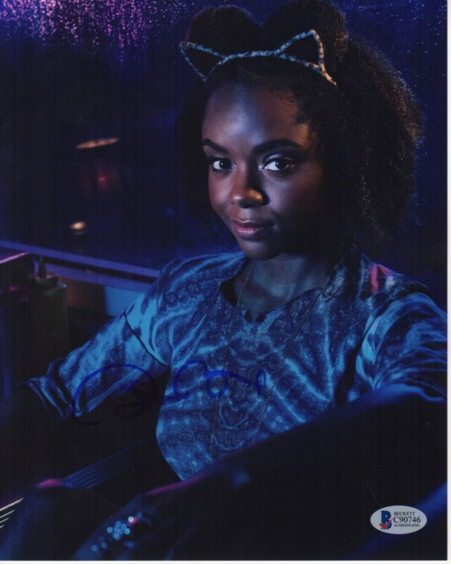 ASHLEIGH MURRAY SIGNED RIVERDALE PHOTO 8X10 JOSIE AUTOGRAPH BAS PSA