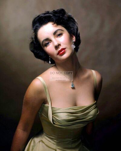 "DD330 8X10 PUBLICITY PHOTO ELIZABETH TAYLOR IN THE 1963 FILM /""CLEOPATRA/"""