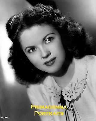 SHIRLEY TEMPLE 8x10 Lab Photo 1940s Beautiful Young Lady, Near Smiling Portrait