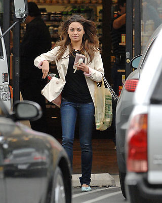 Mila Kunis 8X10 Photo Pic Picture Sexy Hot Candid 19