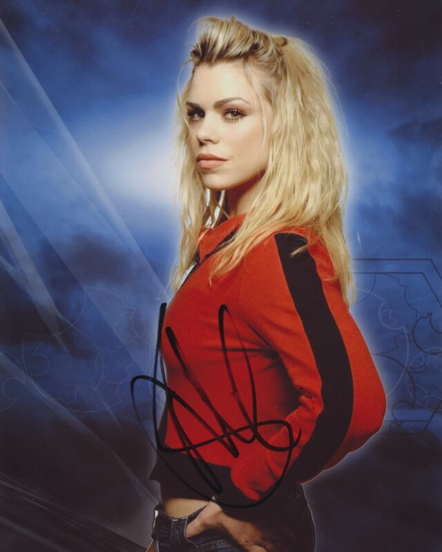 BILLIE PIPER SIGNED DOCTOR WHO 8X10 PHOTO