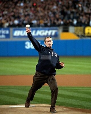 George W  Bush Throws First Pitch During 2001 World Series   8X10 Photo  Bb 768